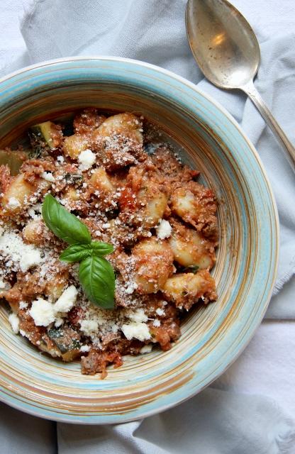 gnocchi met Mediterrane gehaktsaus