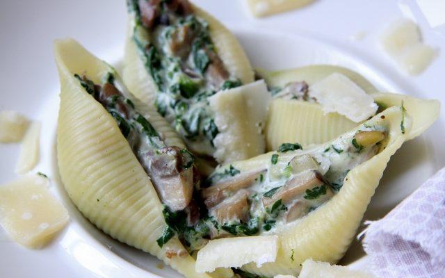 Pasta met spinazie, champignons en gorgonzola