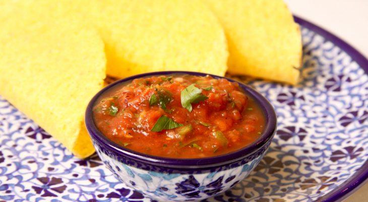 zelfgemaakte salsa