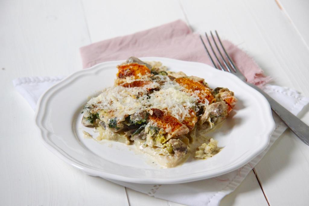 Lasagne van pastinaak, paddenstoelen, pompoen en spinazie